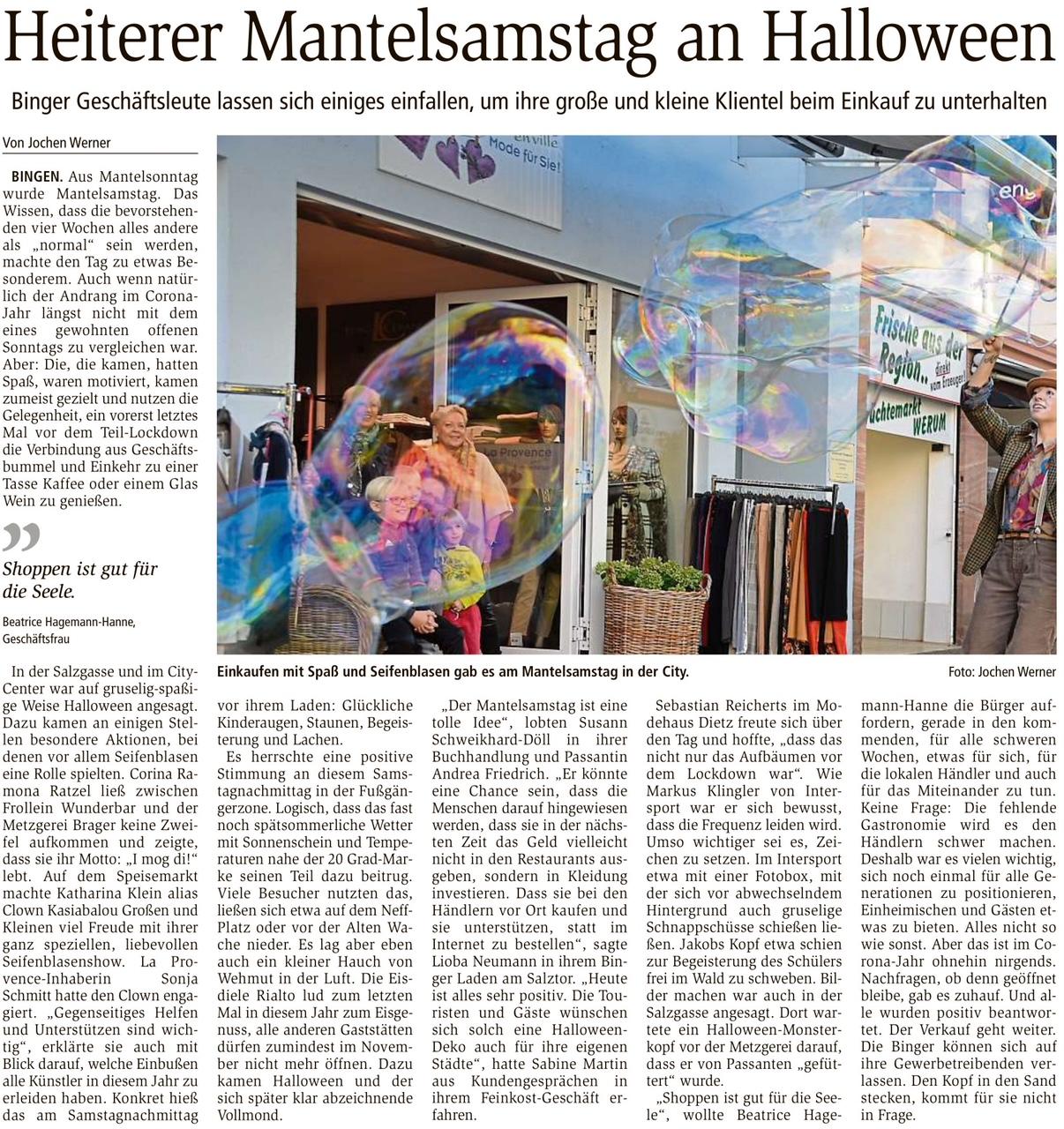 Clown Kasia Balou in Bingen mit Riesenseifenblasen